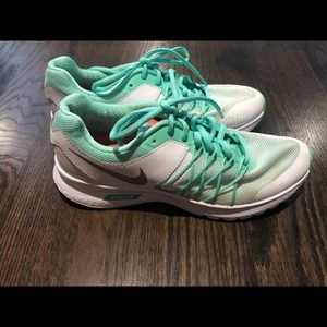 Nike Air Relentless 6 size 7.5